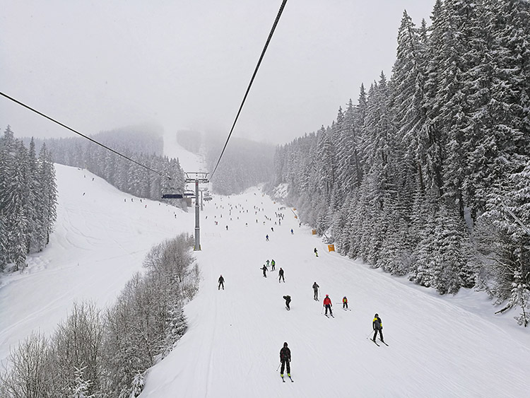 The flat part before Shiligarnika is a merging point of 3 slopes and is one of the most crowded places on the mountain.