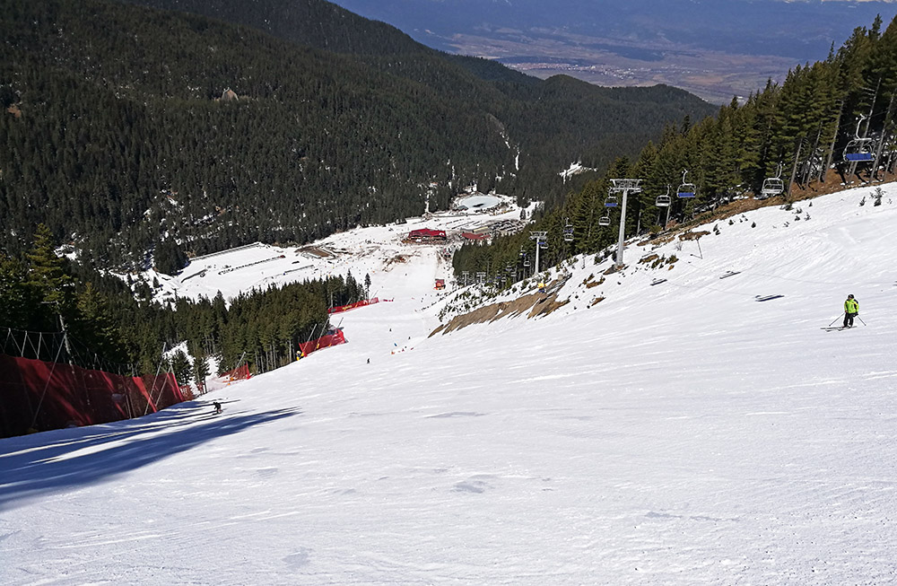 The Tomba ski run in the late afternoon.