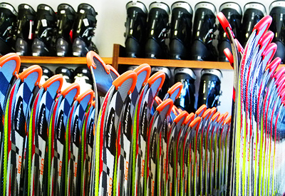 Different sizes for different lengths - we have something for everyone. From children skis @70cm, to VIP skis of 176cm.