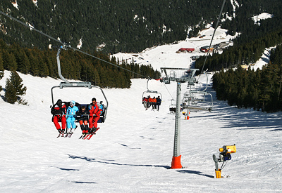 From the upper Gondola lift station take the 4-man chairlift, passing over the most difficult ski run in Bansko - the black run, named after the great Italian skier Alberto Tomba.