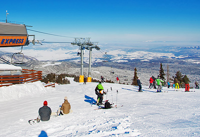 The upper station of Yastrebetz Express chairlift in Borovets resort.